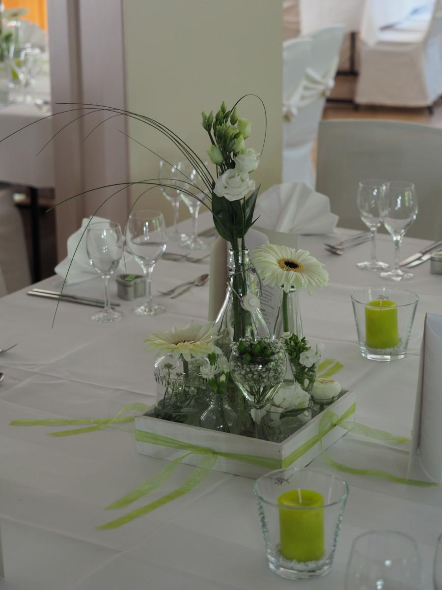 Tischdeko blumen buck schafhausen angela heinkele for Tischdeko bestellen